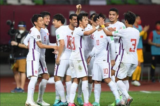 """40强赛   国足""""决战""""提前 7日迪拜首战遭遇菲律宾队 全球新闻风头榜 第1张"""