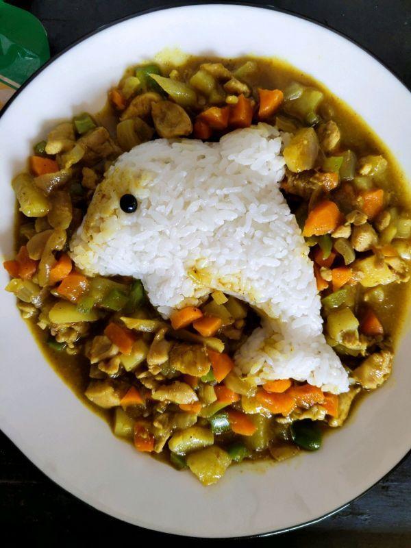 鸡煲饭的做法,好吃到舔盘子的咖喱鸡饭