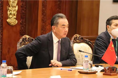 王毅同柬埔寨副首相兼外交大臣布拉索昆举行会谈 全球新闻风头榜 第1张