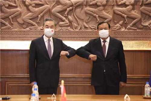王毅同柬埔寨副首相兼外交大臣布拉索昆举行会谈 全球新闻风头榜 第3张