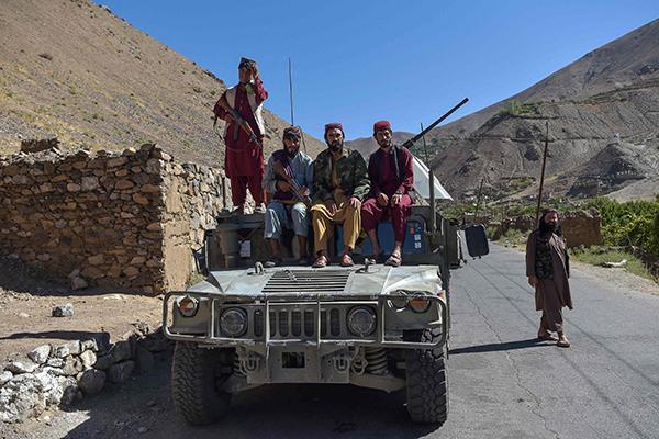 美国将与阿富汗塔利班举行撤军后首次面对面会谈