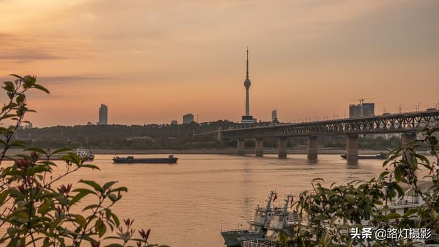 """中国一线城市有哪些,中国实力最强的4个""""新一线""""城市,宜居舒适环境好,很适合养老"""