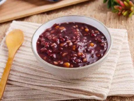 黑米粥的做法,熬黑米粥正确做法