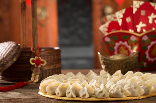 元旦是中国的传统节日吗,古人过元旦就是过春节?关于元旦的来历和习俗,你应该知道