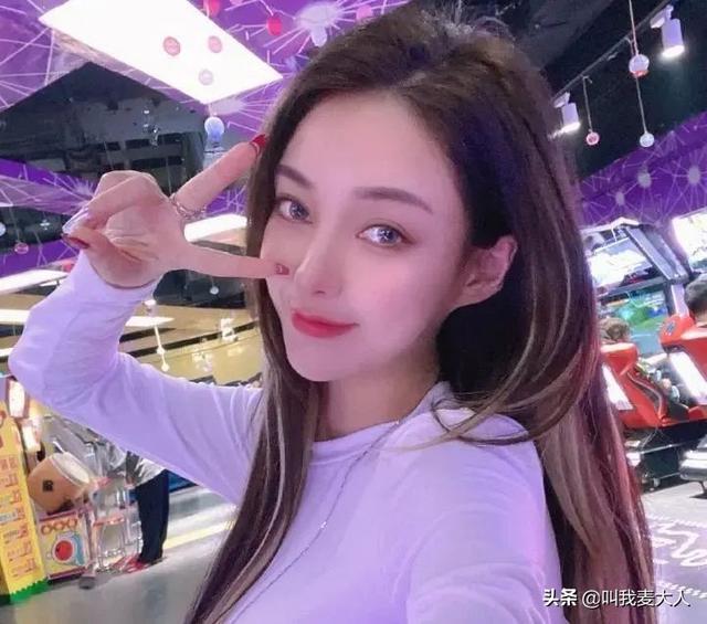 炫耀网络红人郭美美被刑事拘留