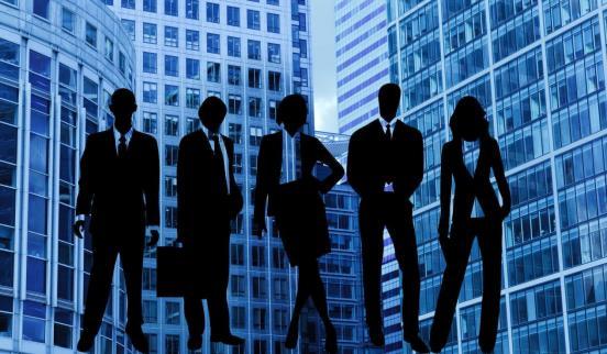 银行职员会四处邀人申请办理业务流程