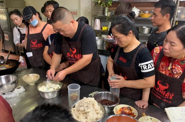 汤的100种做法,汤的做法有100多种,最喜欢淮南牛肉汤的做法,附开店专用秘方