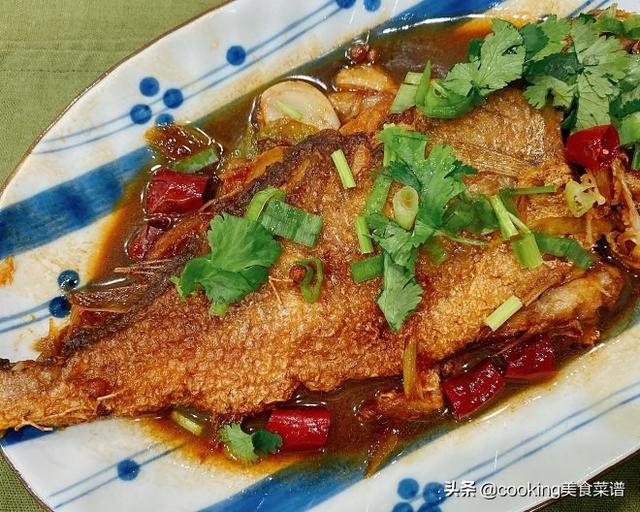 红烧小黄鱼的做法,家常鱼肉菜谱,红烧小黄鱼,简单美味营养,超级下饭,米饭不够吃
