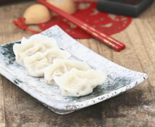 白菜馅的做法,白菜做馅别直接拌,面点师告诉你详细做法,饱满不出水,鲜香好吃