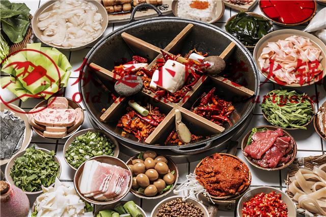 重庆火锅的吃法,这是重庆的地道老火锅,每周都要来吃好几次