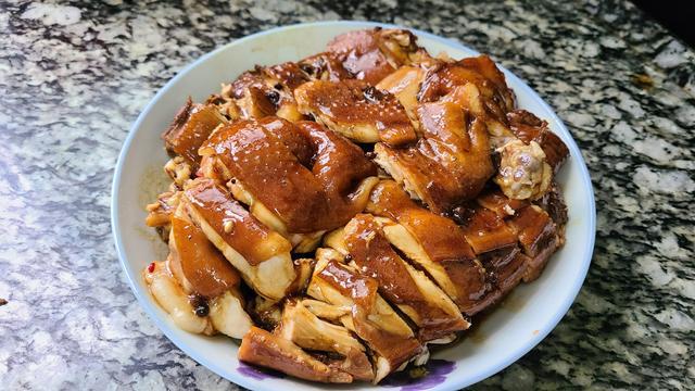 鸡肉的吃法,过年鸡肉这样做更香,简单做法又好吃,味道浓香又好看