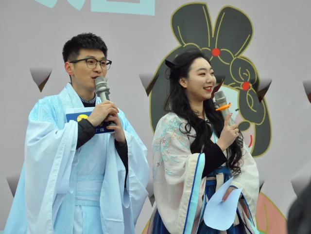 汉族的传统节日,二月二 龙抬头:看郑州市日渐流行的汉服潮和汉服文化