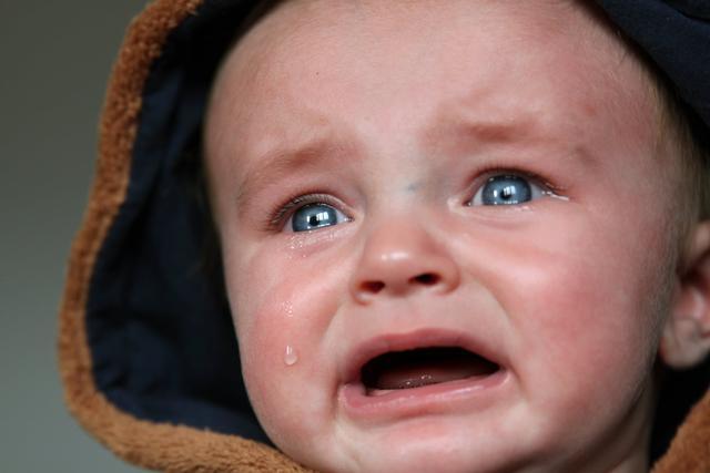 """婴儿的痰,宝宝喉咙""""咕噜咕噜""""有痰咳不出怎么办?这些方法非常好"""