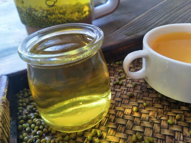 绿豆汤的做法,熬绿豆汤总发红?教你正确做法,豆汤清澈透绿,三伏天正好喝