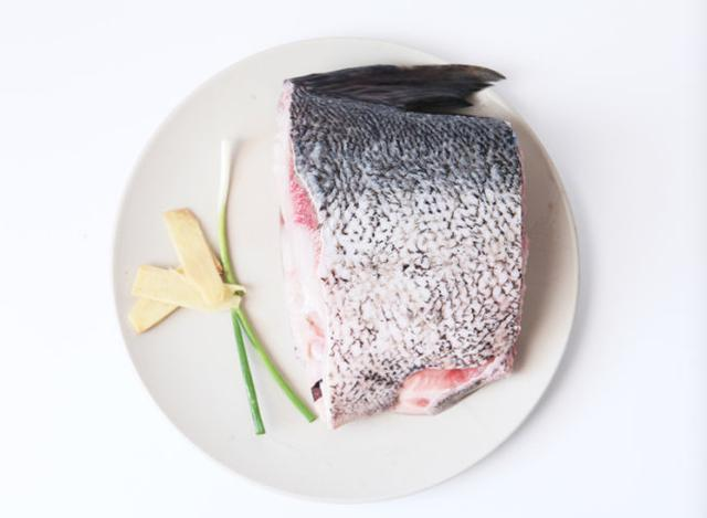 熏鱼怎么做,上海熏鱼的正宗做法,1分钟就学会,味道太好吃了,年夜饭必备!
