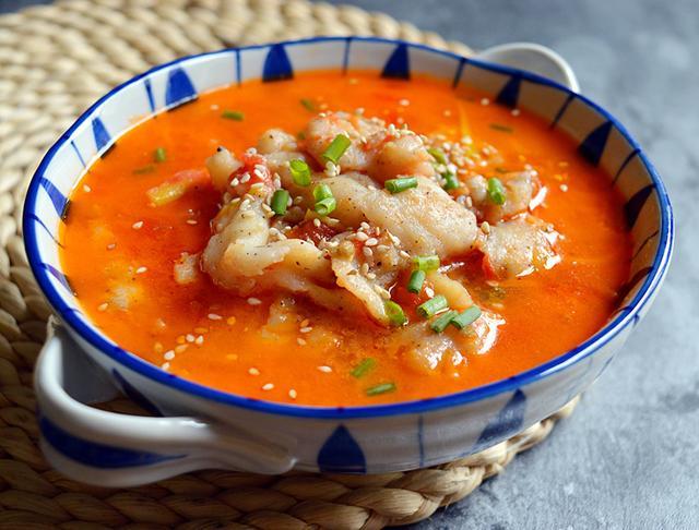 鱼汤的做法,鱼汤的10种做法,鲜美可口有营养,秋冬季节热乎乎喝一碗,全身暖