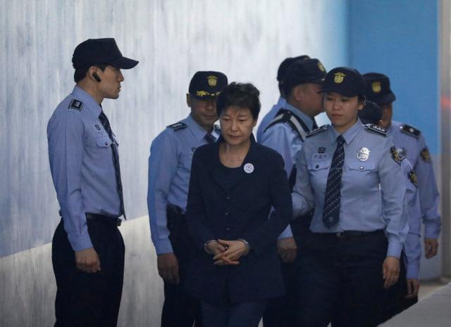 刚上台就向总统发难?韩国市长要求赦免朴槿惠,文在寅这样回应 全球新闻风头榜 第2张