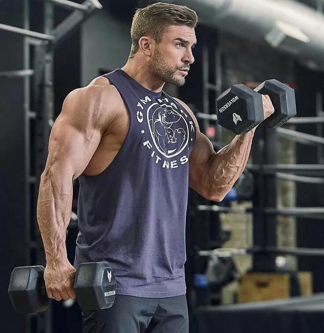 头晕恶心想吐是怎么回事,健身时为何会出现头晕恶心的情况?还要继续锻炼吗?