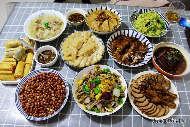 美食菜谱,朋友一家来拜年,宝妈做了10道菜招待,家乡美食,比吃饭馆舒服