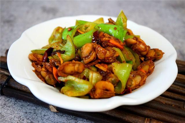 家常扇贝肉的做法,鲜嫩扇贝肉,好多人不知道这种快炒做法,下饭还是下酒菜,值得学