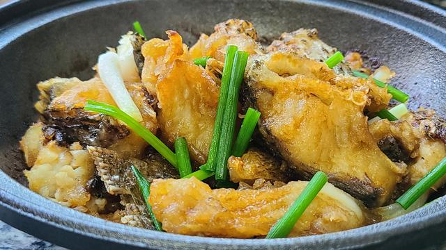 罗非鱼的做法,罗非鱼的广东做法,简单营养又好吃,出锅香喷喷的看着就想吃