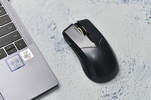 无线鼠标怎么连接电脑,性能全面的无线鼠标 雷神ML701评测体验