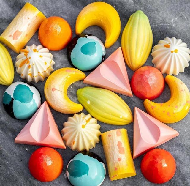 巧克力怎么做,纯干货|炫彩多姿的巧克力,从调温、调色到配方都帮你整理好啦