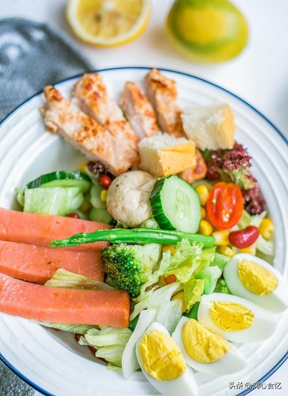 """碳水化合物食物有哪些,减脂期,3餐""""早吃碳水、午吃蛋白、晚吃维生素"""",身材让人羡慕"""