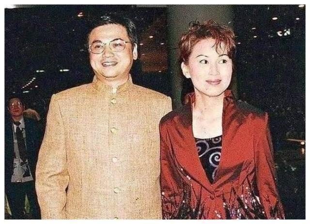 Chen Xiuwen đau khổ: Mẹ mất, chị gái đoạn tuyệt, con trai mắc chứng tự kỷ, chồng mất hết tài sản và không ly hôn