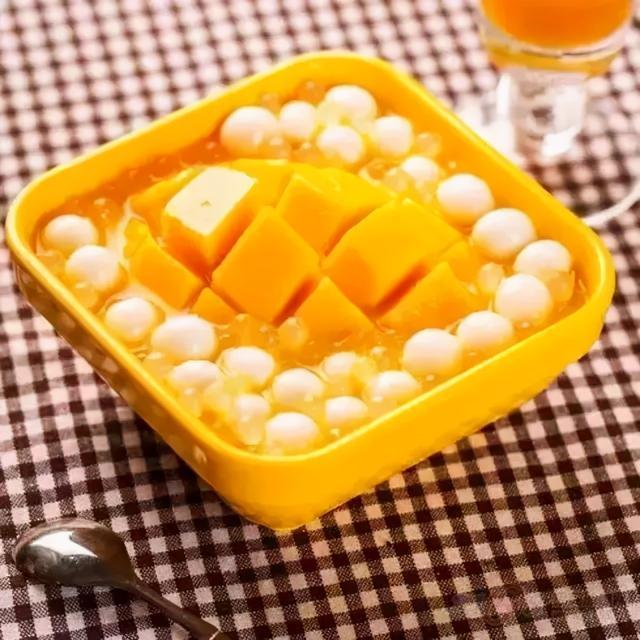 芒果的正确吃法,芒果的各种吃法,看完再也不敢说自己会吃芒果