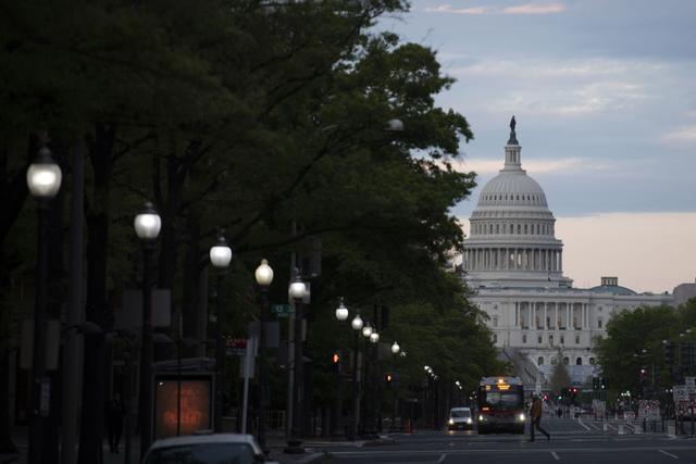 好消息,一天传来两个好消息!白宫开始救命了,拜登宣布重返《巴黎协定》