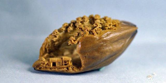 核舟记图片,《核舟记》里的核雕是什么样的?小小核桃,方寸之间显大千世界