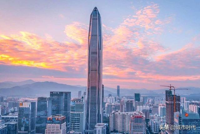2021年第一季度,广东省和江苏省的同比增长率都高过了全国各