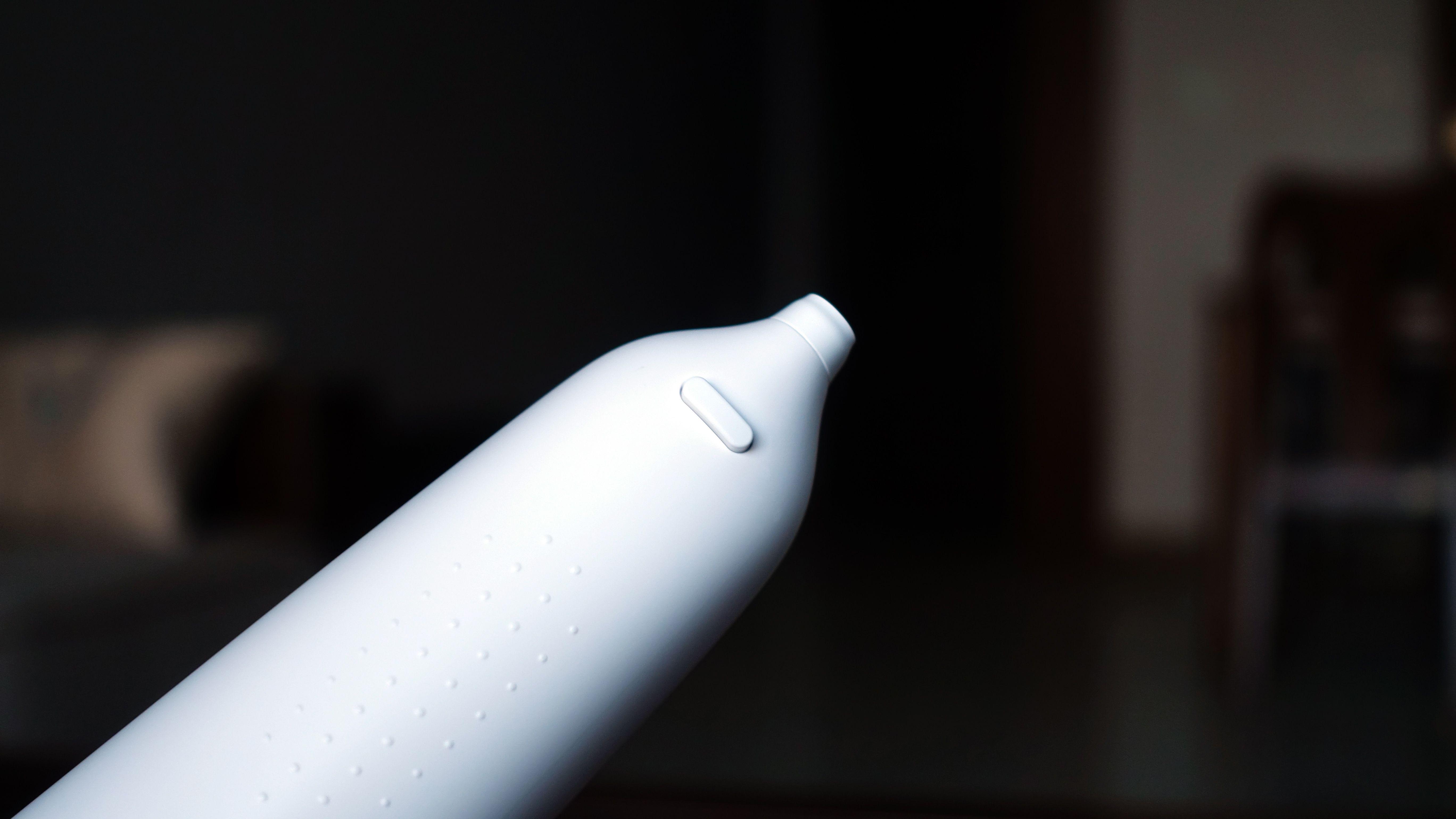 美的SPA微气泡冲牙器体验:高科技洁牙助手