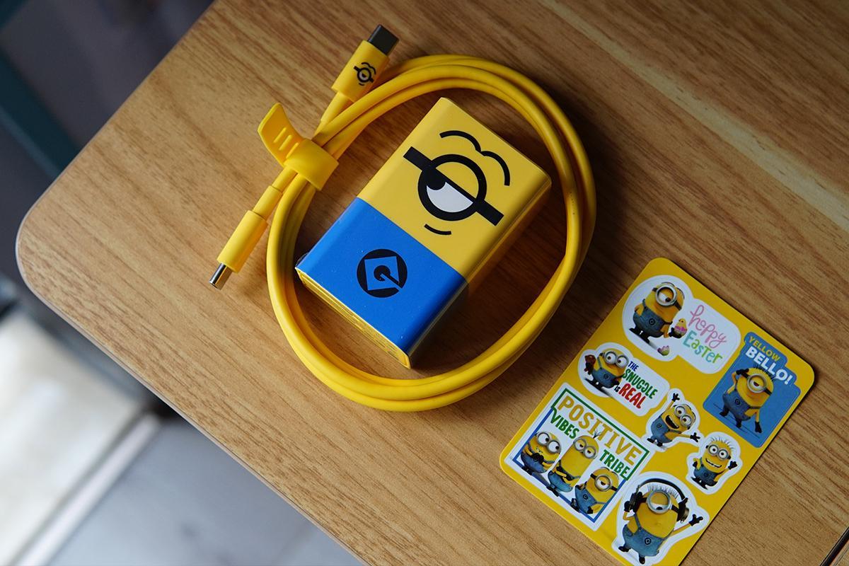 只一眼就被萌化,努比亚65W 小黄人充电器套装好看还有料