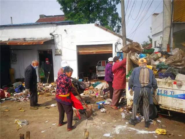 江苏海安园庄村开展村居环境整治行动