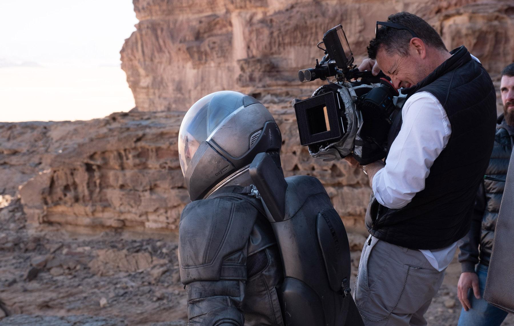 """IMAX《沙丘》的美学""""悖论""""  IMAX专属画幅""""让电影的边框消失"""""""