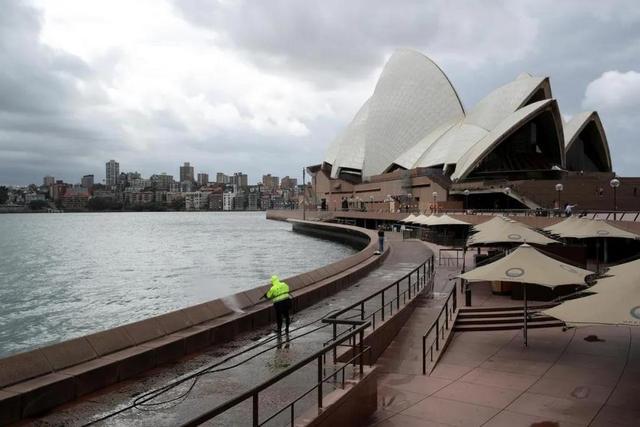 七律 悉尼封城所见