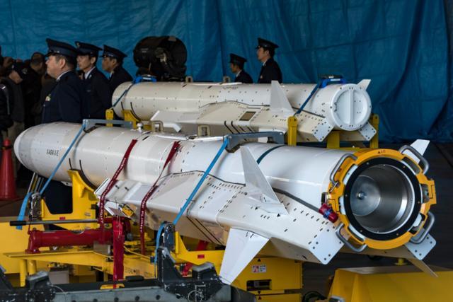 日本傻眼了!自己研发12年的先进导弹,居然被解放军逼进了死胡同