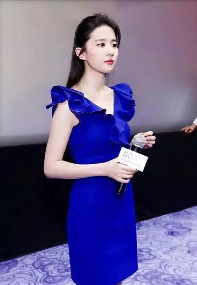 32岁刘亦菲也太美了中国现在潜艇数目在80艘左右!穿深蓝连衣裙真惊艳,撞款43岁林心如稳赢?2716 作者:admin 帖子ID:21626