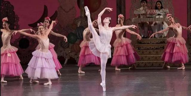 亚裔芭蕾舞者在美成功有多难?乔治娜谈对抗种族歧视和性侵的经历