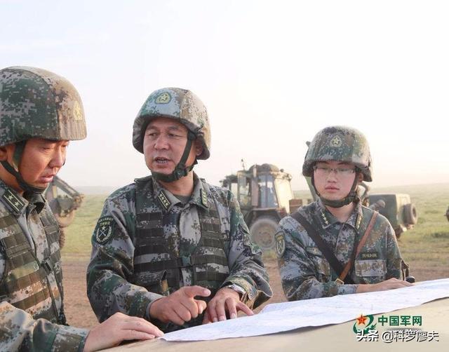 假如战争爆发,经常上电视的军事专家们,能直接指挥军队作战吗?