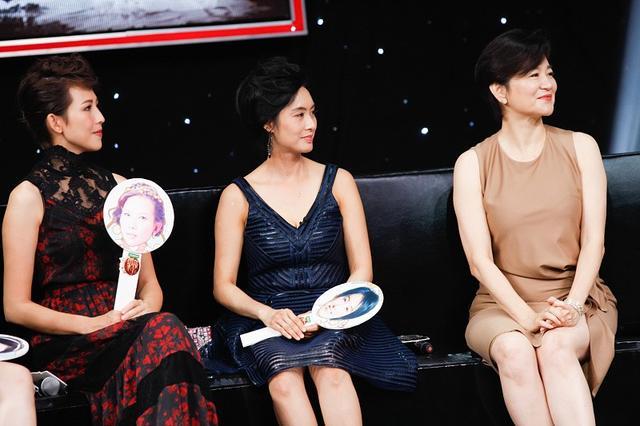 林青霞固然大了朱茵16岁,但穿上优雅的短裙,显得年轻很多8231 作者:admin 帖子ID:21634