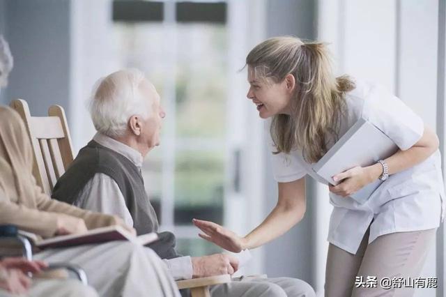 """60岁后,有必要跟亲戚和同事""""断绝往来""""吗?过来人道出真相"""