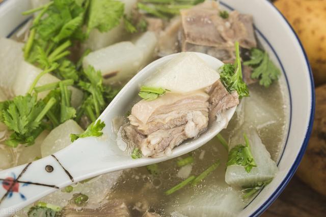 """天冷了,這6道炖菜""""造""""起來,有湯有菜,熱熱乎乎,好吃也好做"""