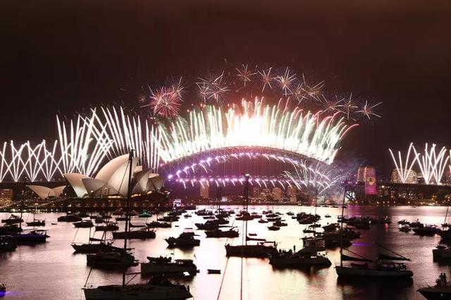 悉尼市长让步了!9点场烟花秀将照常举行!新州政府将予以协助