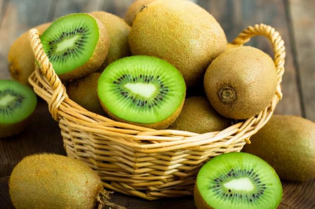 """4种水果或有助孩子""""长高个"""",建议家长常给孩子吃,别太节俭"""