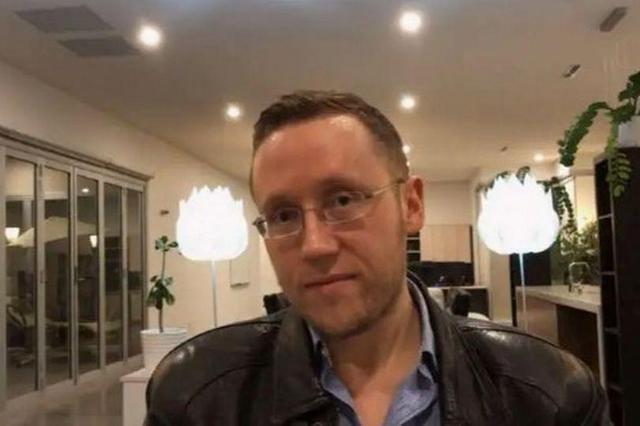 澳洲41岁处男网络征婚,条件只有一个:没谈过恋爱!网友:太难