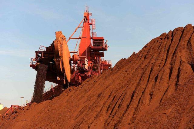 按下葫芦浮起瓢,铁矿石刚被打压下去,澳洲煤炭价格又涨了上来