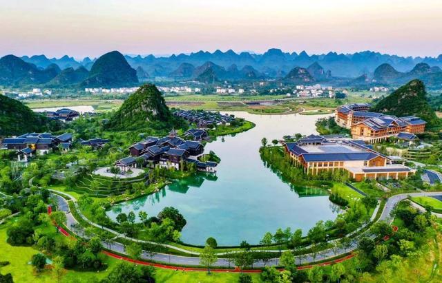 桂林融创国际旅游度假区盛大启幕,打造世界级旅游城市欢乐新名片
